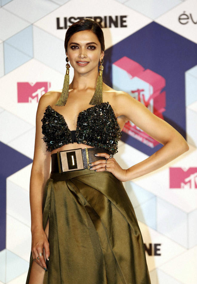 deepika-padukonemtv-europe-music-awards