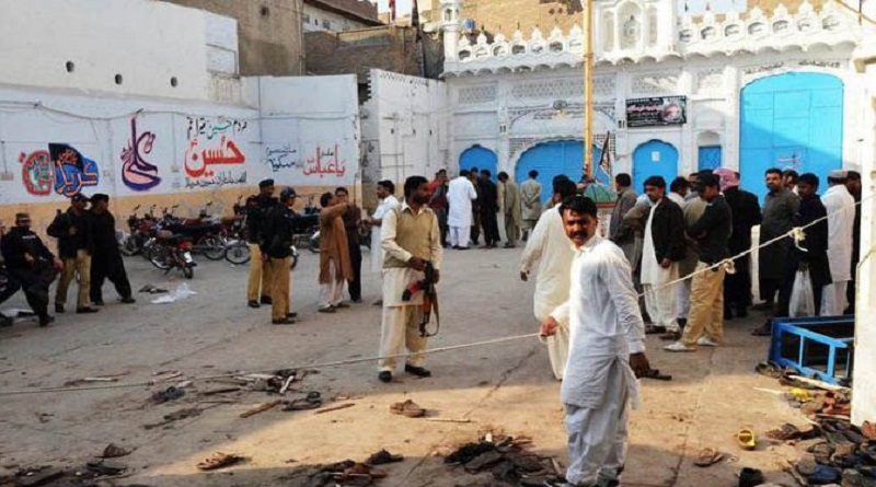 Pakistan Shah Noorani shrine bomb kills 90