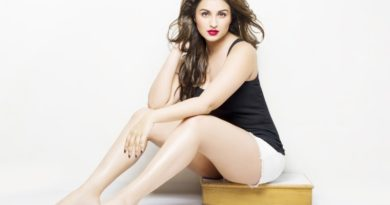 parineeti chopra latest hot pics
