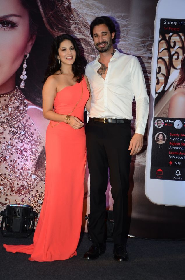 sunny-leone-launches-her-own-mobile-app4