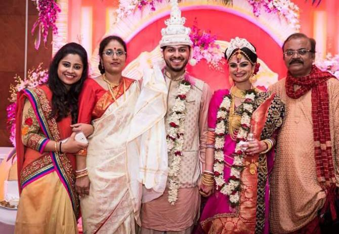 dimpy-ganguly-celebrates-her-first-marriage-anniversary9