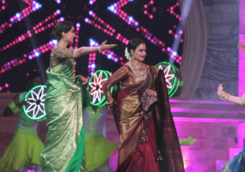 rekha-dance-on-star-screen-awards-2016-winners-see-pics8