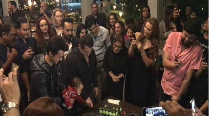salman celebrates his 51st with nephew Ahil and family5