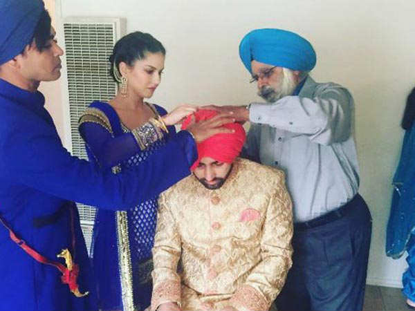 sunny-leone-shares-pics-of-brother-wedding1