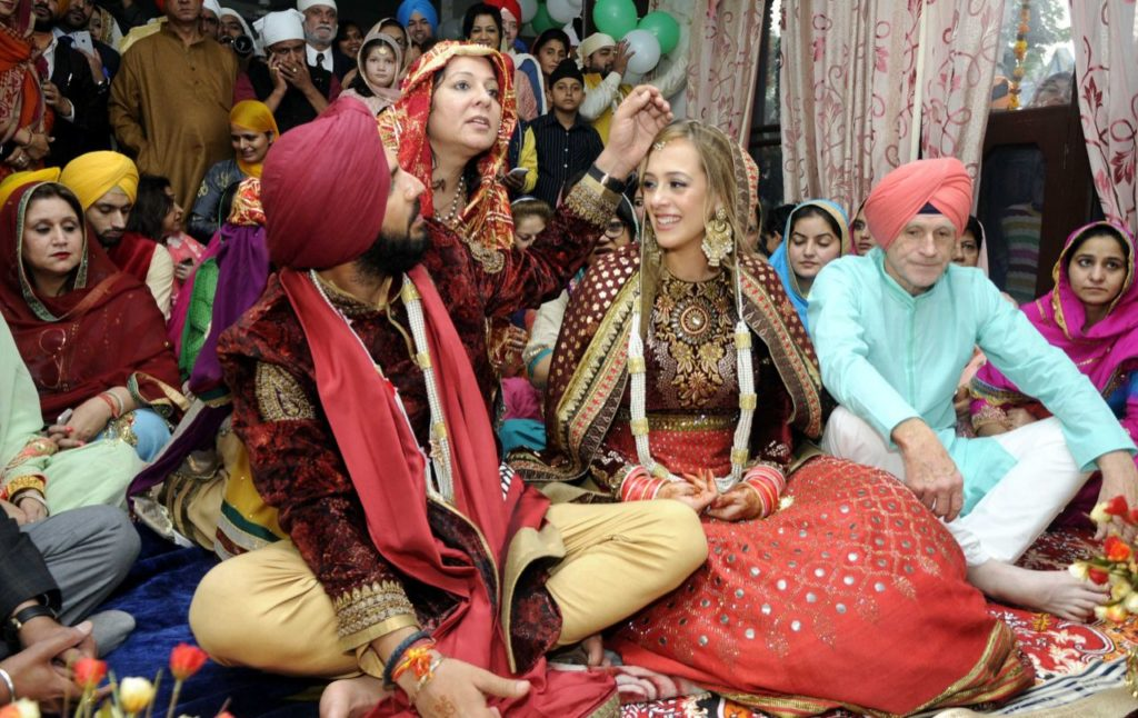 yuvraj-singh-and-hazel-keech-wedding-marriage-photos5